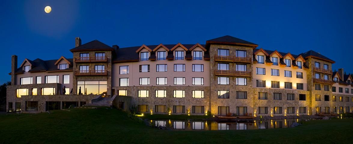 El loi suites chapelco hotel inaugur su temporada de for Jardin de invierno loi suites